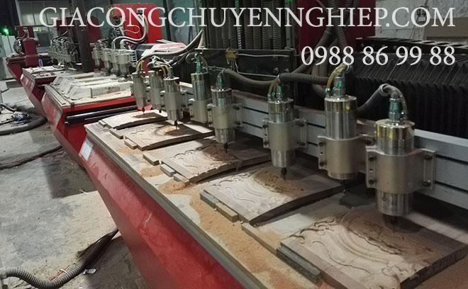 Gia công tranh điêu khắc gỗ bằng máy CNC giá rẻ