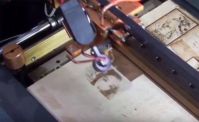 Khắc hình ảnh bằng máy khắc laser