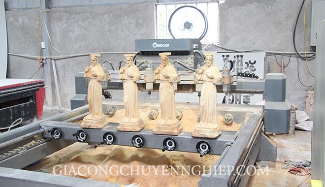 Sản phẩm của đục tượng gỗ bằng máy