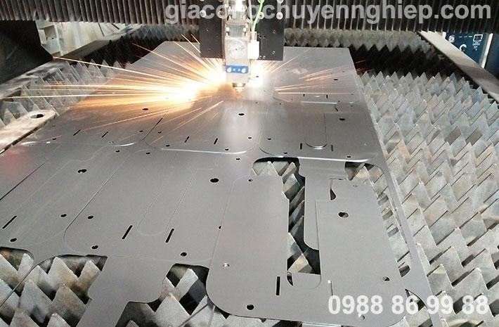 Cắt CNC kim loại tại Hà Nội bằng máy cắt Fiber