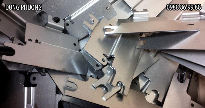 Địa chỉ nào cắt khắc laser, gia công kim loại giá rẻ 2