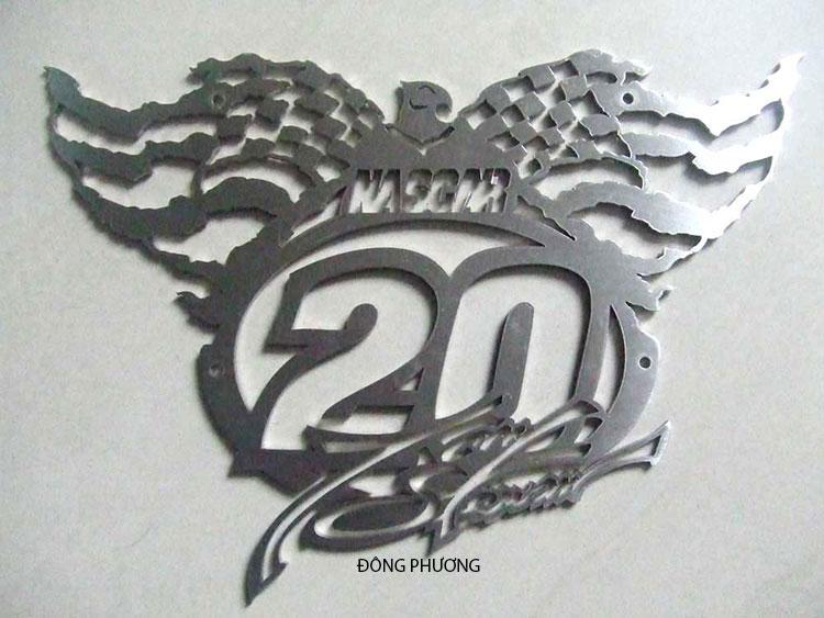 Cắt logo kim loại 04