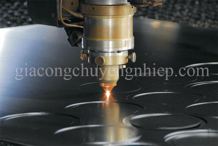 Dịch vụ cắt khắc laser kim loại - giacongchuyennghiep.com-01