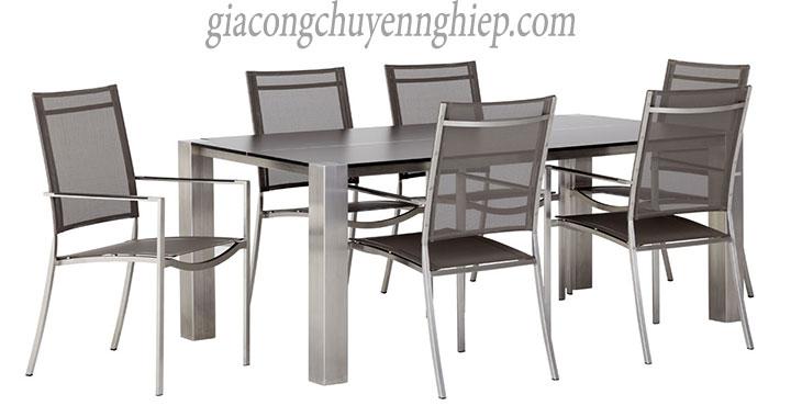 Thông dụng với bàn ăn inox tại quán ăn, nhà ăn tập thể
