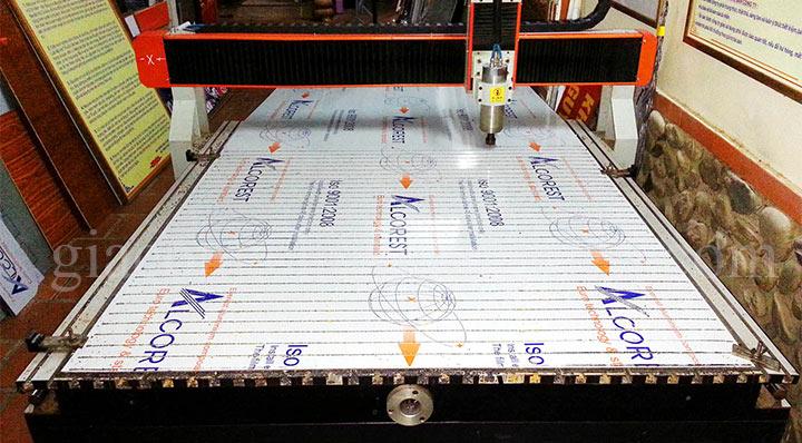 Cắt CNC bảng biển quảng cáo: cắt CNC mica, alu, fomex, nhựa,....-07