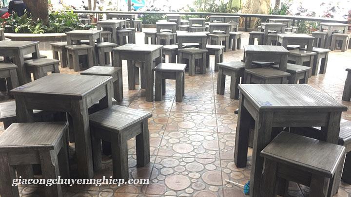 Bàn ghế gỗ cho quán cafe cóc - Giải pháp siêu tích kiệm không gian 01