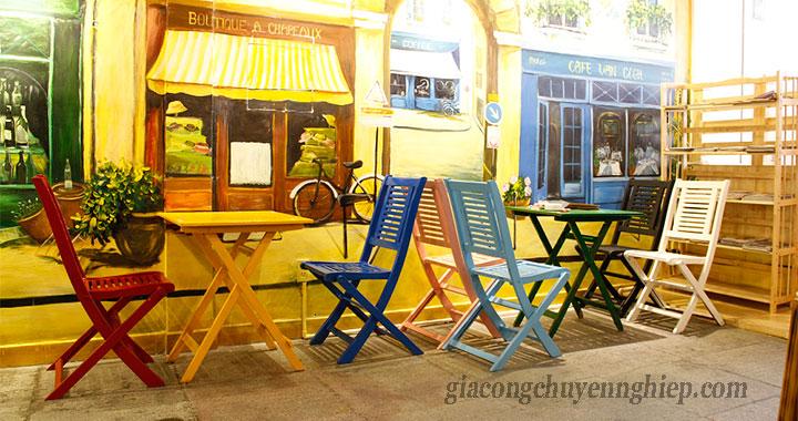 Bàn ghế gỗ cho quán cafe cóc - Giải pháp siêu tích kiệm không gian