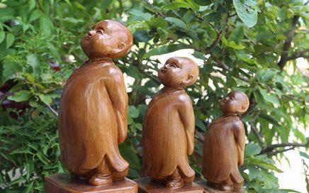 Tượng gỗ chú tiểu, ý nghĩa tượng gỗ tiểu đồng tùy duyên.-0