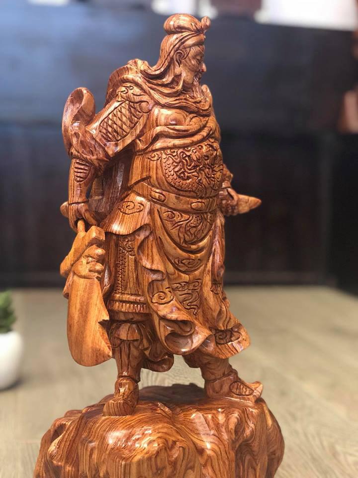 Tượng gỗ: Tượng gỗ Quan Công, Bật mí ý nghĩa và phong thủy.-8